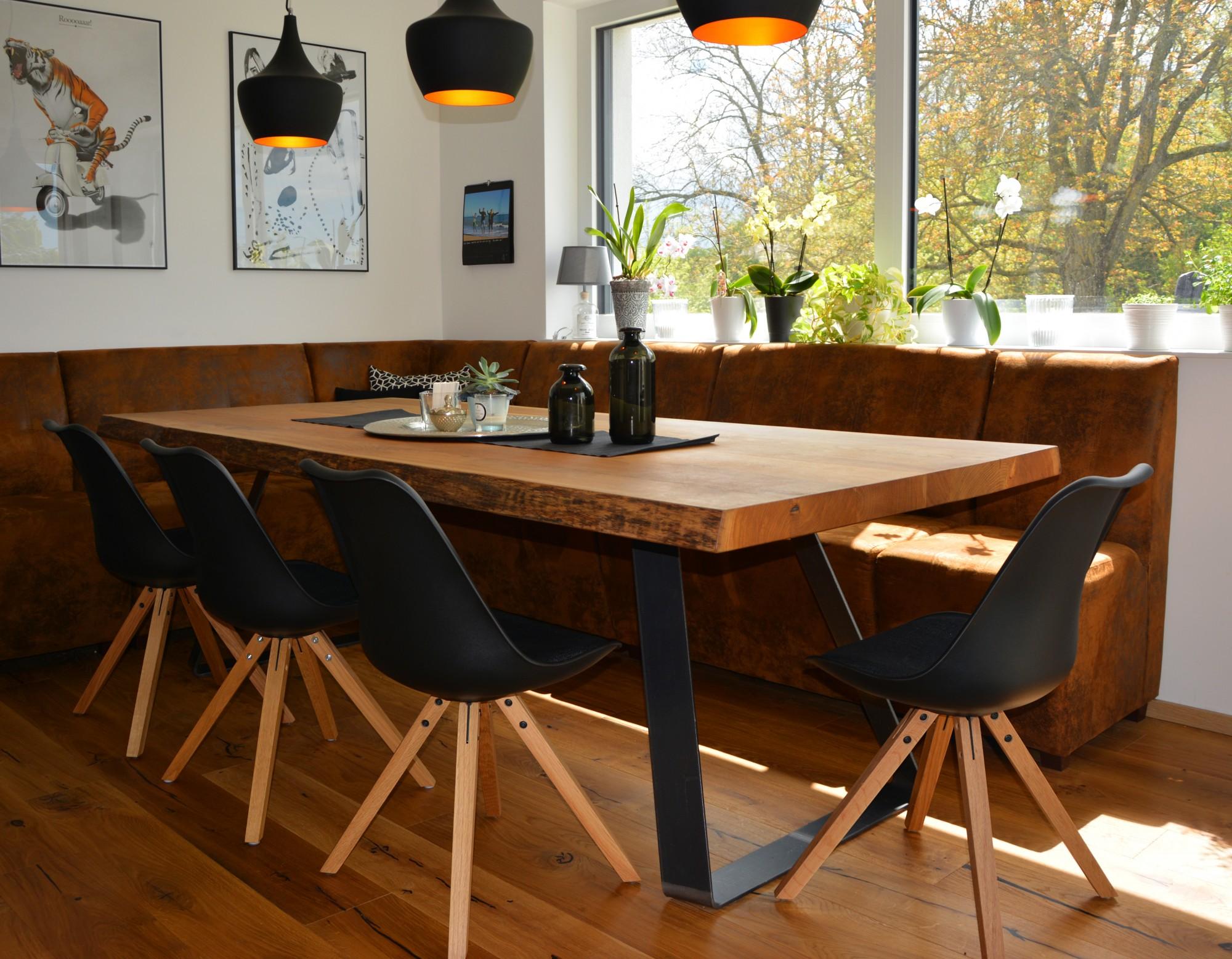 Holzwunder – Aus Massivholz: Esstisch für Ihr Esszimmer